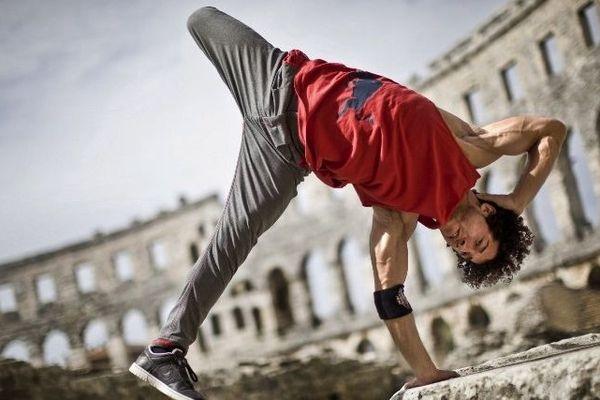 "Khaled ""KC1"" Chaabi 4 fois champion du monde de breakdance"