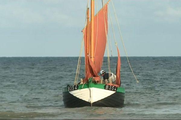 Ce flobart, fabriqué en 2006, est une réplique d'un bateau construit en 1913, typique de ceux qu'utilisaient les pêcheurs à l'époque.
