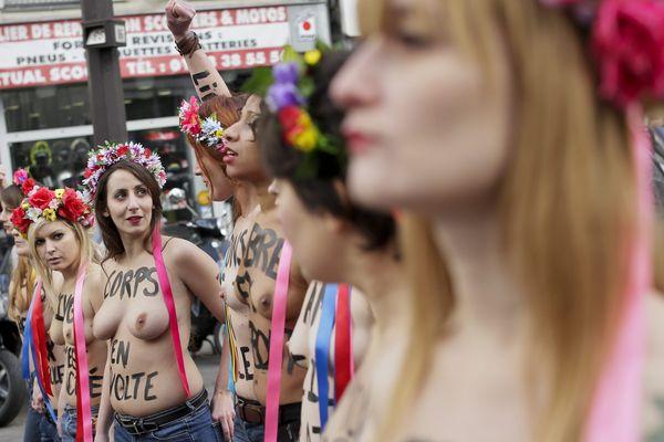 Manifestation de féministes à Paris le 17 janvier 2015, lors de la commémoration des 40 ans de la loi Veil.