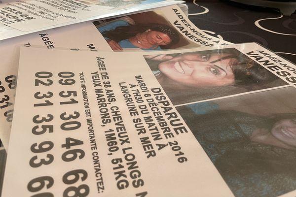 Des avis de recherche distribués par les parents de Vanessa Melet, disparue le 6 décembre 2016.
