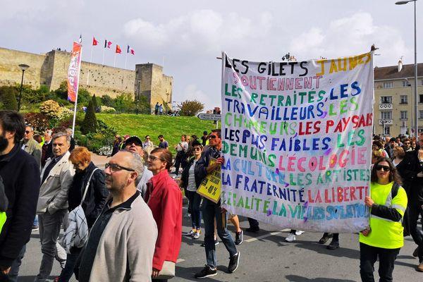 Les gilets jaunes dans la manifestation du 1er mai 2019 à Caen