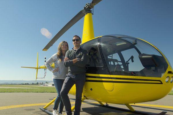 Chloé prend les commandes d'un hélicoptère dans ce numéro de Pourquoi chercher plus loin consacré à l'air.