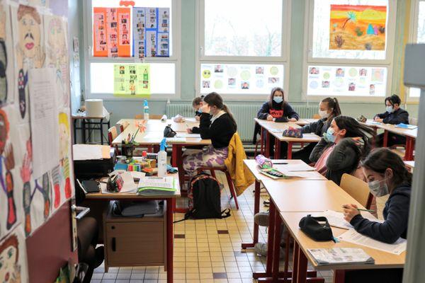 Photo d'illustration dans un collège de l'académie de Lille.
