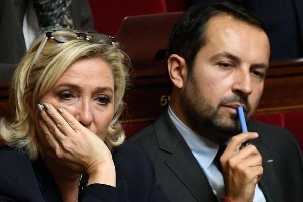 Sébastien Chenu à côté de Marine Le Pen.