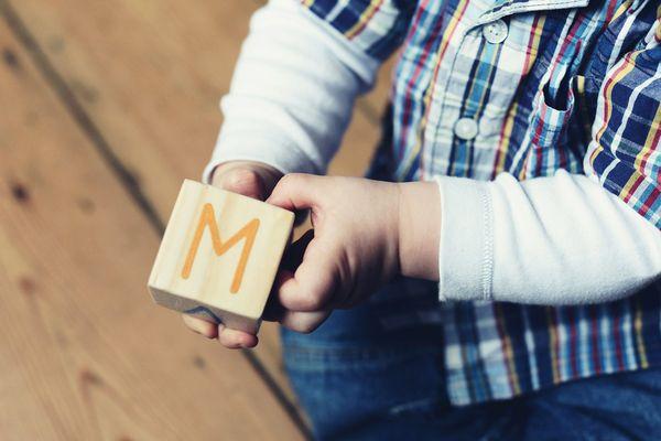 M comme maman ou mamans pour un petit garçon du Jura