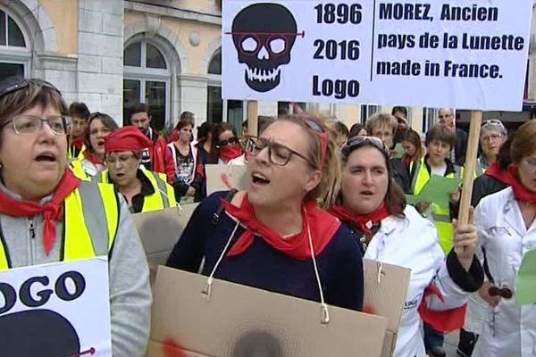 Les salariés de Logo dans les rues de Morez dans le Haut-Jura