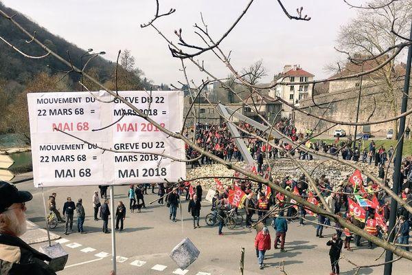 2.000 personnes dans les rues de Besançon pour la manifestation du 22 mars