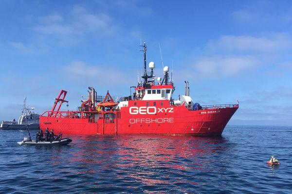 Face aux appels des pêcheurs, le Geo Ocean IV fait la sourde oreille