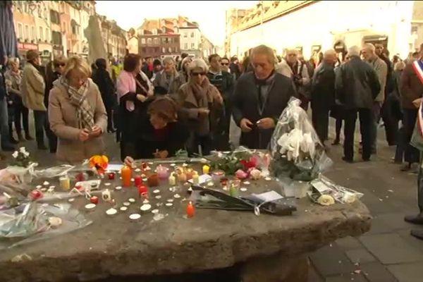 A Montbéliard, environ 600 personnes ont rendu hommage aux victimes des attentats de Paris.