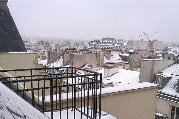 Difficile de profiter de son balcon ou de sa terrasse aujourd'hui !