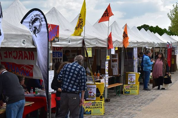 Dans le cadre du G7 de l'environnement à Metz, un village éco-citoyen est ouvert du vendredi 3 mai au samedi 4 mai, aux jardins Jean-Marie Pelt.