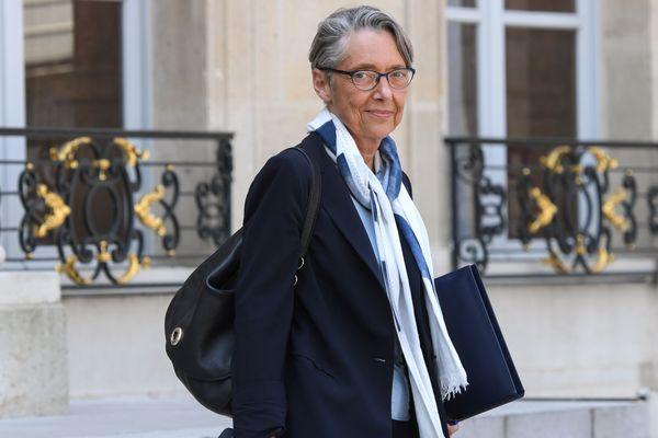 Pour la ministre des transports, Elisabeth Borne, l'autoroute Castres-Toulouse est une priorité.