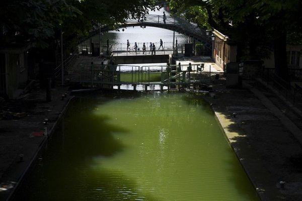 Un homme est décédé en se jetant dans le canal Saint-Martin à Paris. (Photo d'illustration)