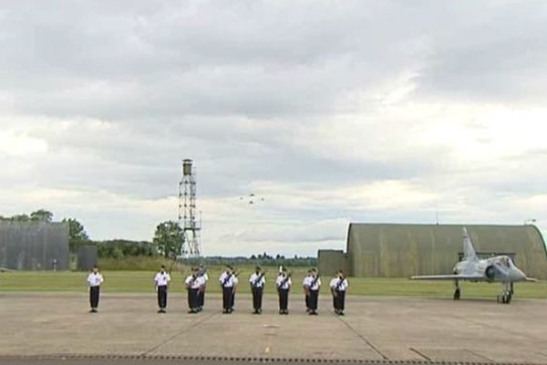 la base aérienne 102 de Dijon-Longvic.