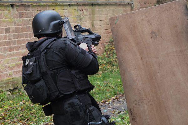 Les hommes du RAID, ici à l'entraînement, mobilisés ce mardi 27 avril, aux côtés des fonctionnaires de la Direction générale de la sécurité intérieure (DGSI) lors d'une opération antiterroriste