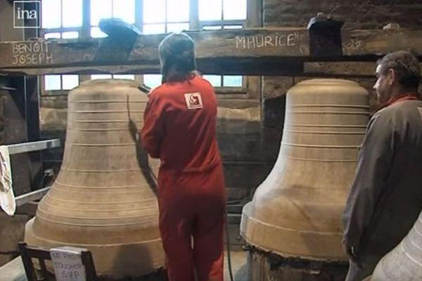 Les cloches de Notre-Dame de Paris lors de leur fabrication à Villedieu-les-Poêles dans la Manche en 2013.