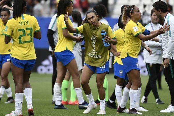 Le Brésil s'est imposé 3-0 face à la Jamaïque au Stade des Alpes