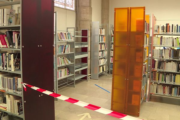 À Dijon, l'espace a été clairement délimité pour éviter de se croiser dans les allées.