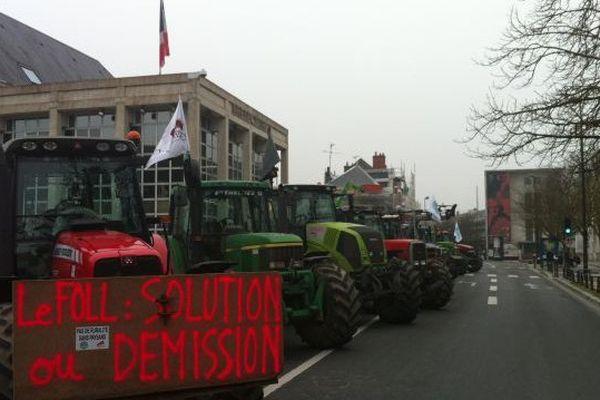 Manifestation des agriculteurs devant la préfecture de Blois