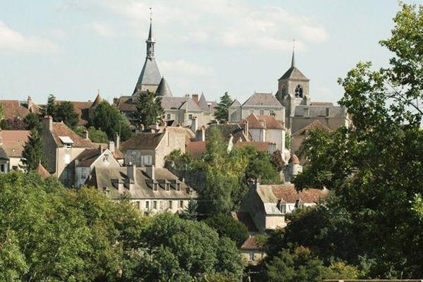Le centre-ville d'Avallon dans l'Yonne.