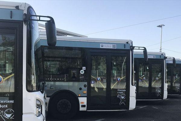 Bus et trolleys à l'arrêt suite à l'agression d'un contrôleur de la STCL