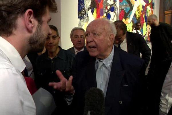 Jean-Claude Gaudin face à un journaliste de France 2