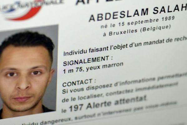 Douze jours après les attentats, Salah Abdeslam reste introuvable.