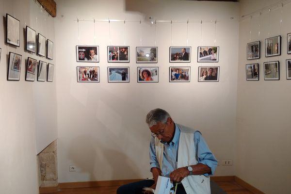 Jean-Marie Périer dans la nouvelle salle d'exposition