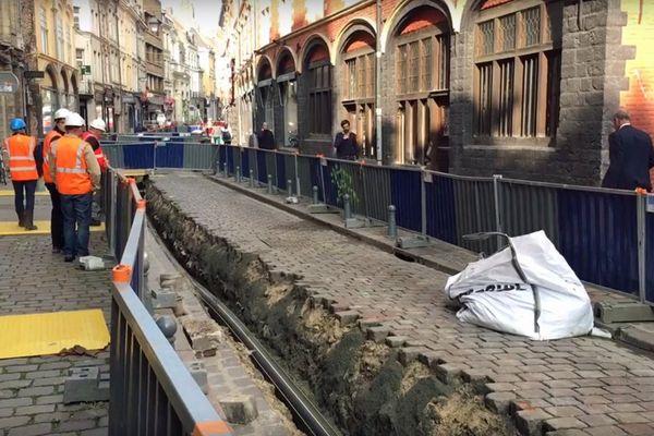 Lors des travaux d'assainissement de la rue de la Monnaie, une voûte du moulin Saint-Pierre a été rabotée.