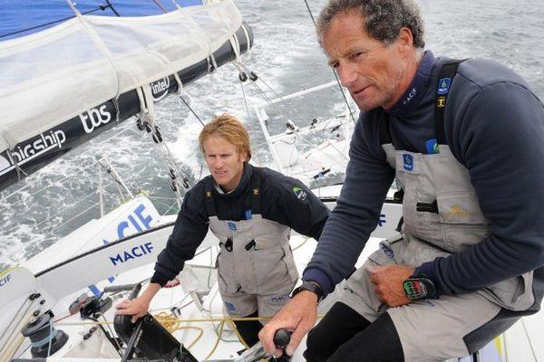 Pas une seconde de repos pour François Gabart (à g.) et Michel Desjoyaux, les co-skippers de Macif