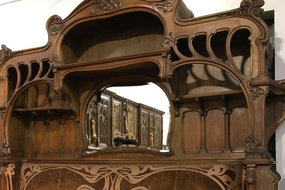 Limoges: une banquette disparue, présentée à l'Exposition Universelle de 1900, refait surface