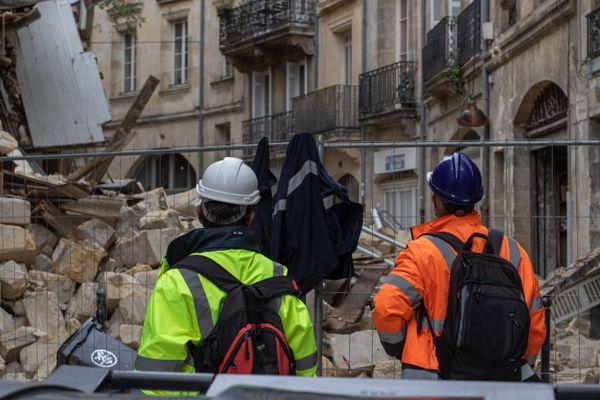 Les experts craignent l'effondrement de quatre autres immeubles voisins des deux qui se sont effondrés il y a neuf jours rue de la Rousselle dans le centre historique de Bordeaux en Gironde.