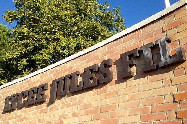 Carcassonne - le lycée Jules Fil - 2015.