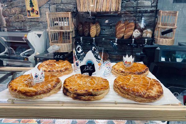 Les jolies galettes de Joël Charpiot vous attendent dans sa boulangerie.
