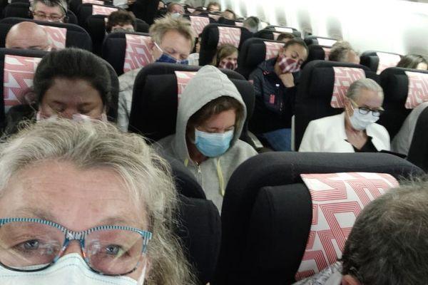 Le 23 avril dernier, Françoise et Joël A. ont passé 11 heures à bord d'un avion d'Air France quasiment plein