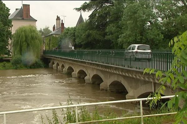 Artannes-sur-Indre (Indre-et-Loire) : le niveau de la rivière a monté d'un mètre en trois jours - 31 mai 2016