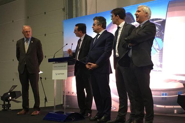Des élus lors de la présentation officielle du futur centre de production de l'entreprise Safran Electronics & Defense.