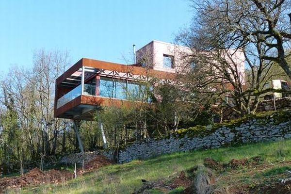 Cette maison de l'architecte Jean-François Provost située à Berzé-la-Ville en Saône-et-Loire est l'une des 10 maisons qui ouvrent leurs portes en Bourgogne