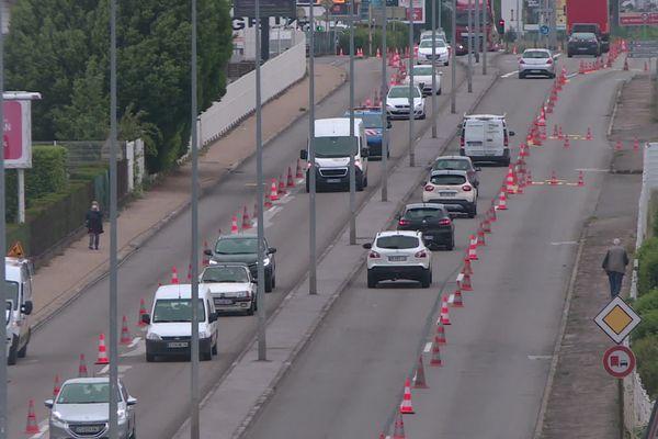 Expérimentation d'une voie vélo bus à partir du 11 mai d'une partie des boulevards Churchill et Kennedy de Besançon