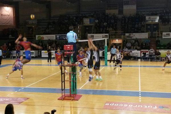 L'équipe de Poitiers bat Ajaccio 3 sets à 2