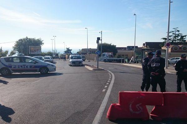 Le quartier de l'hôpital L'Archet est entièrement bouclé ce matin pour la reconstitution.