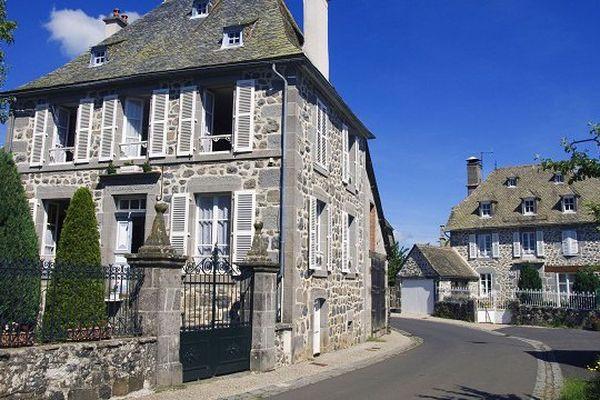Le village de Thérondels, dans l'Aveyron.