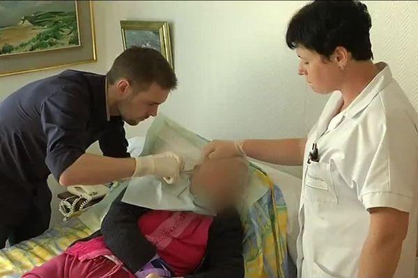 Un élève en médecine générale