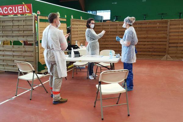 Dans ce centre, le but est de délester le Centre Hospitalier de la Côte Basque qui ne traite que les cas graves et éviter la saturation lors du pic de contagion.