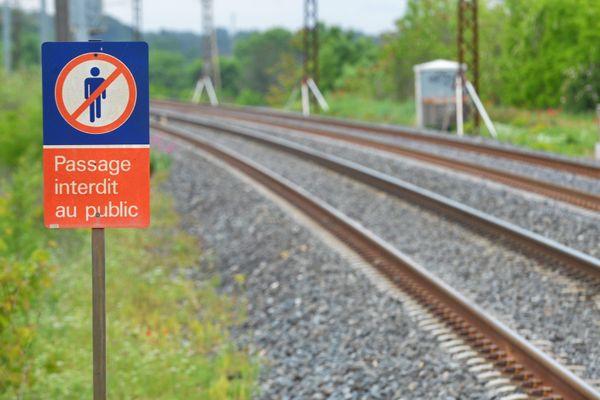 Un décret autorise désormais les Régions à prendre la gestion de lignes ferroviaires.Michael Esdourrubailh