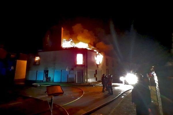 Le feu a détruit quatre des sept appartements de l'immeuble.