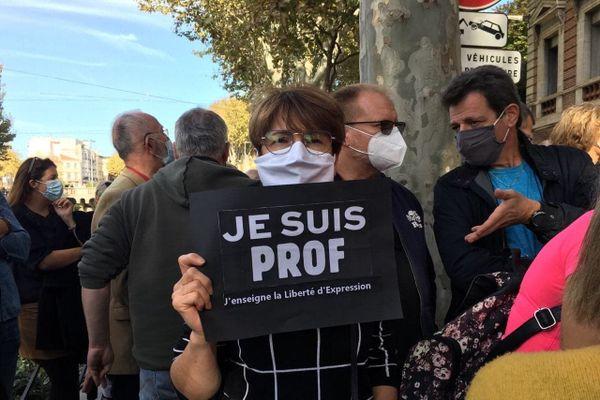 """""""Je suis prof"""", pouvait-on lire sur des pancartes."""