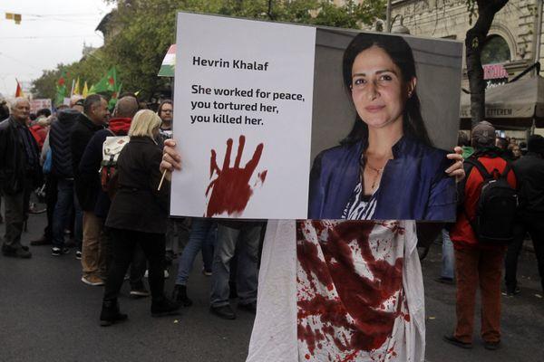 La femme politique kurde Hevrin Khalaf torturée, violée et assassinée en 2019 en Syrie (archives Hongrie)
