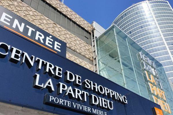 Le centre commercial PartDieu à Lyon a décidé de rouvrir ses portes bien avant le mois de juilet