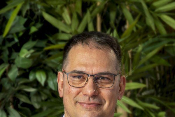 Vincent Robin (Divers gauche), élu maire de Mer le 28 juin 2020